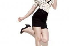 Anushka-Sharma-In-Black-Skirt