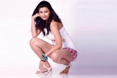 wallpapersden.com_daisy-shah-jai-ho-movie-actress-photos_1920x1200