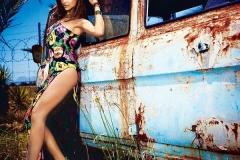Deepika-Padukone-Hot-Legs