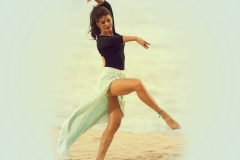 22_01_2015_11_26_26jacqueline-fernandez-hot-dance-wallpaper