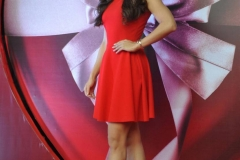 Jacqueline-Fernandez-Sexy-Legs-Photos-At-Body-Shop-Launch-3