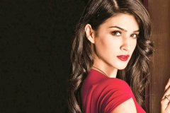 Kriti-sanon-hd-wallpapers-1366x768