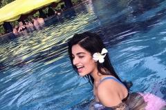 nidhi-agarwal-in-swimpool-4