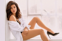 Priyanka-Chopra-Hot-Photoshoot-Image-3