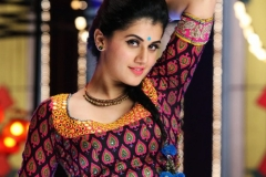 taapsee-pannu-wallpaper_369722950
