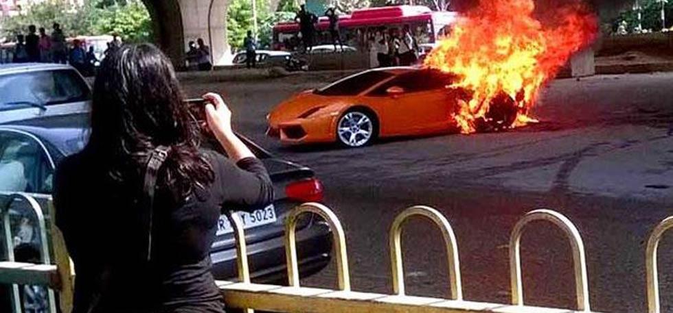 Lamborghini Gallardo Catches Fire In Delhi, Watch Rs 2.7 Crores Go Up In Smoke