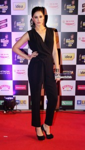 nargis-fakhri-mirchi-music-awards-2014_1393568668180