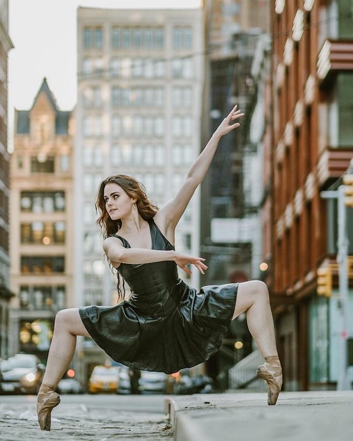 urban-ballet-dancers-new-york-streets-omar-robles-100-57b30fb1dc4f2__700