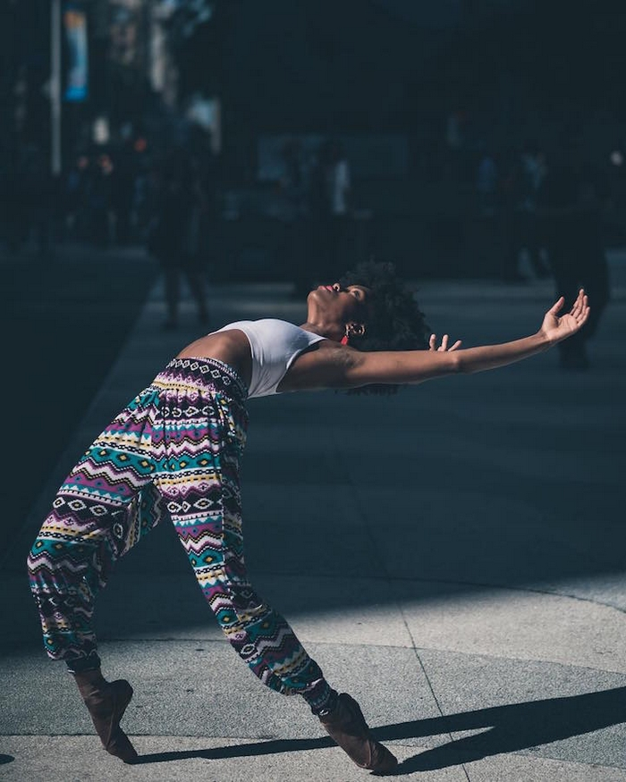 urban-ballet-dancers-new-york-streets-omar-robles-103-57b30fbbc44f6__700