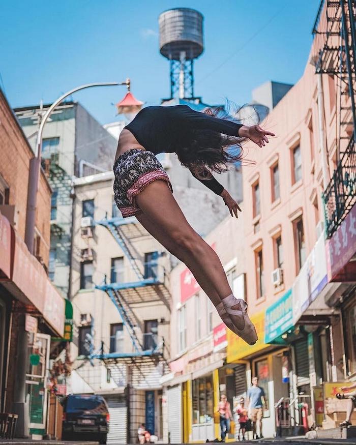 urban-ballet-dancers-new-york-streets-omar-robles-104-57b30fbf16884__700