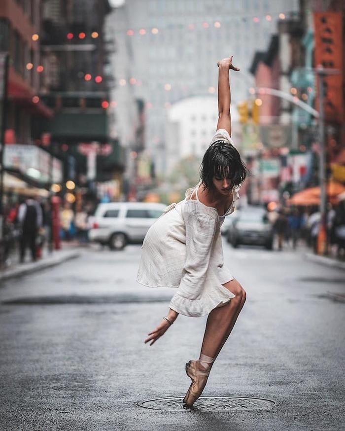 urban-ballet-dancers-new-york-streets-omar-robles-107-57b30fc7e520b__700