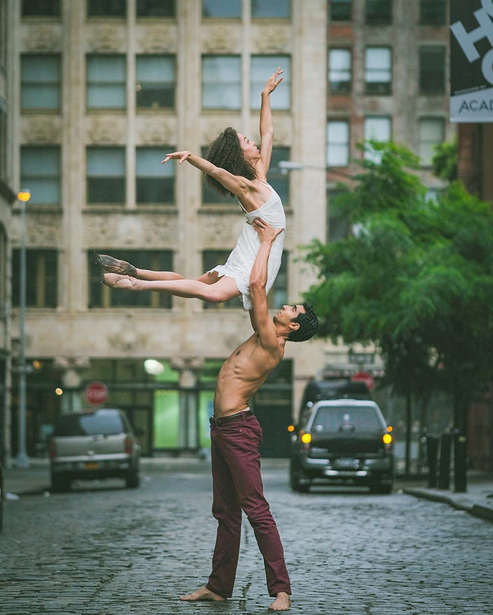 urban-ballet-dancers-new-york-streets-omar-robles-108-57b312de5a925__700