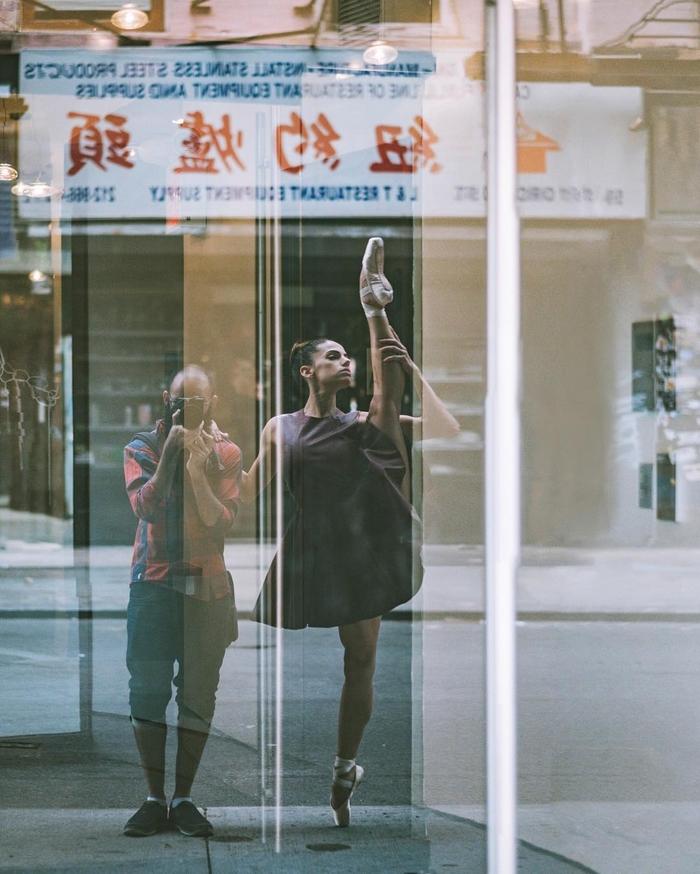 urban-ballet-dancers-new-york-streets-omar-robles-21-57b30e640bca5__700