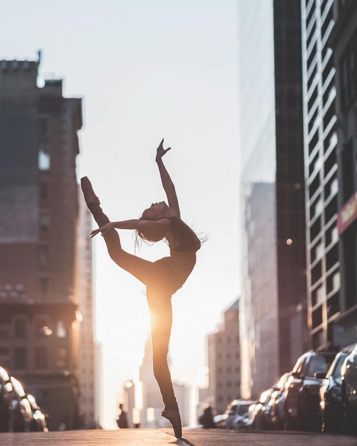 urban-ballet-dancers-new-york-streets-omar-robles-24-57b30e7268520__700