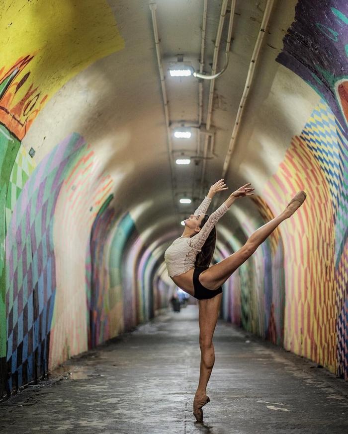 urban-ballet-dancers-new-york-streets-omar-robles-31-57b30e8f4364e__700