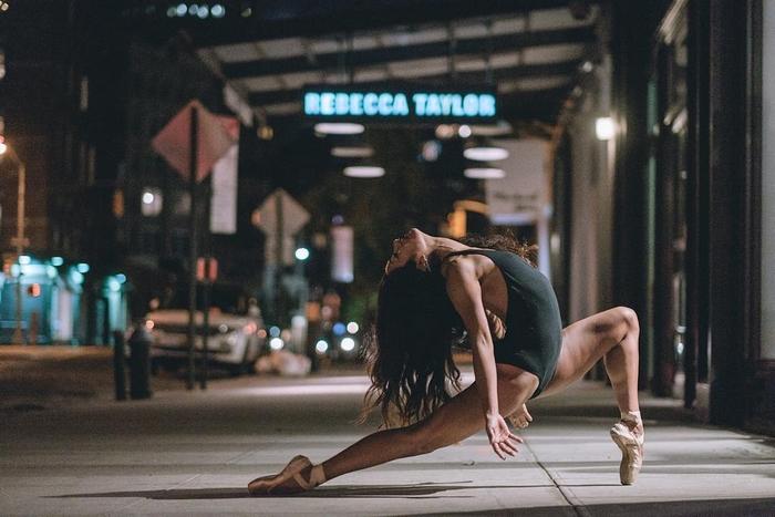 urban-ballet-dancers-new-york-streets-omar-robles-65-57b30f1de440b__700