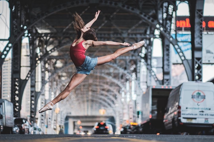 urban-ballet-dancers-new-york-streets-omar-robles-69-57b30f29db238__700