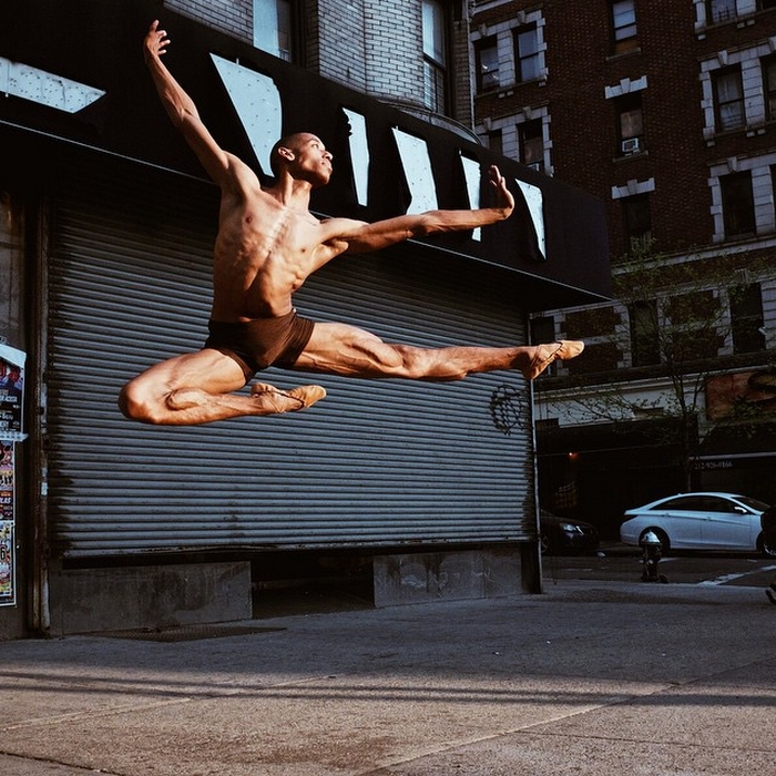 urban-ballet-dancers-new-york-streets-omar-robles-72-57b30f3438a18__700
