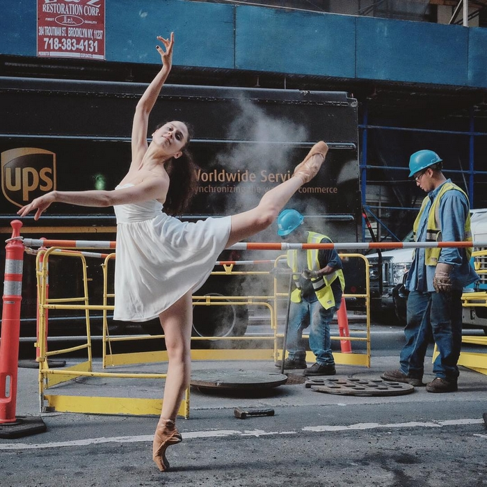 urban-ballet-dancers-new-york-streets-omar-robles-73-57b30f3822b1e__700