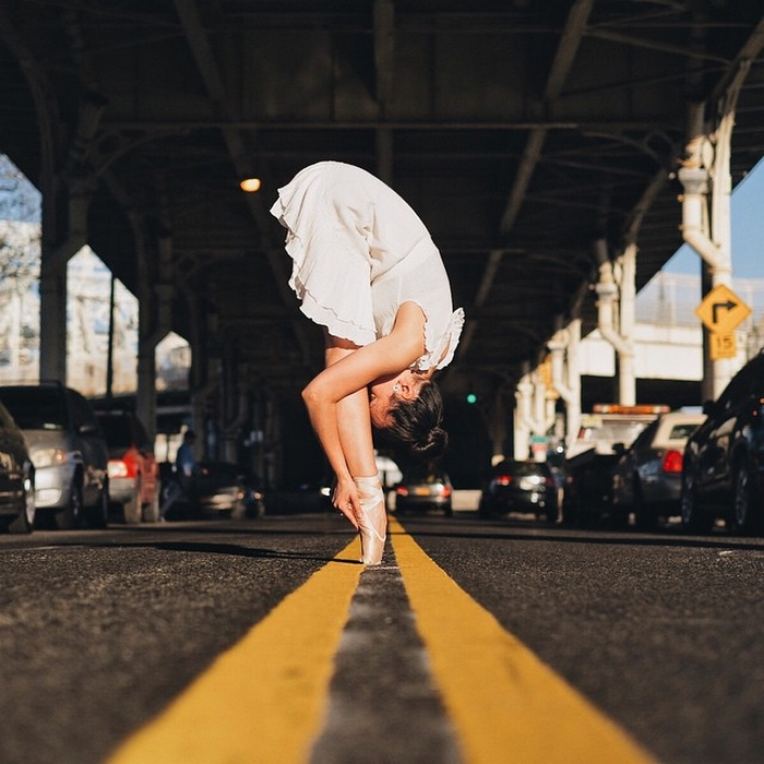 urban-ballet-dancers-new-york-streets-omar-robles-75-57b30f4187105__700
