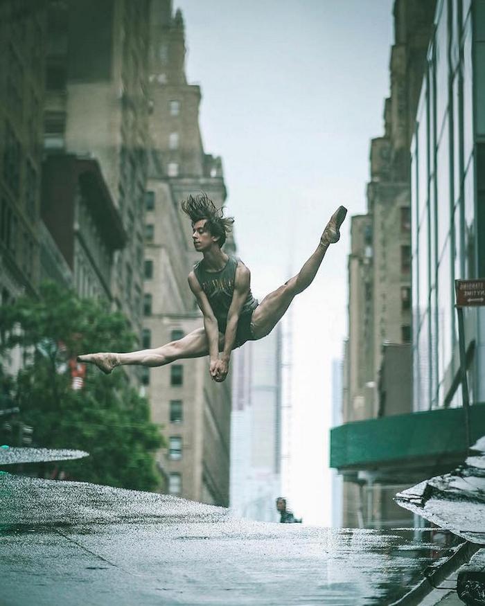 urban-ballet-dancers-new-york-streets-omar-robles-90-57b30f88e0dda__700