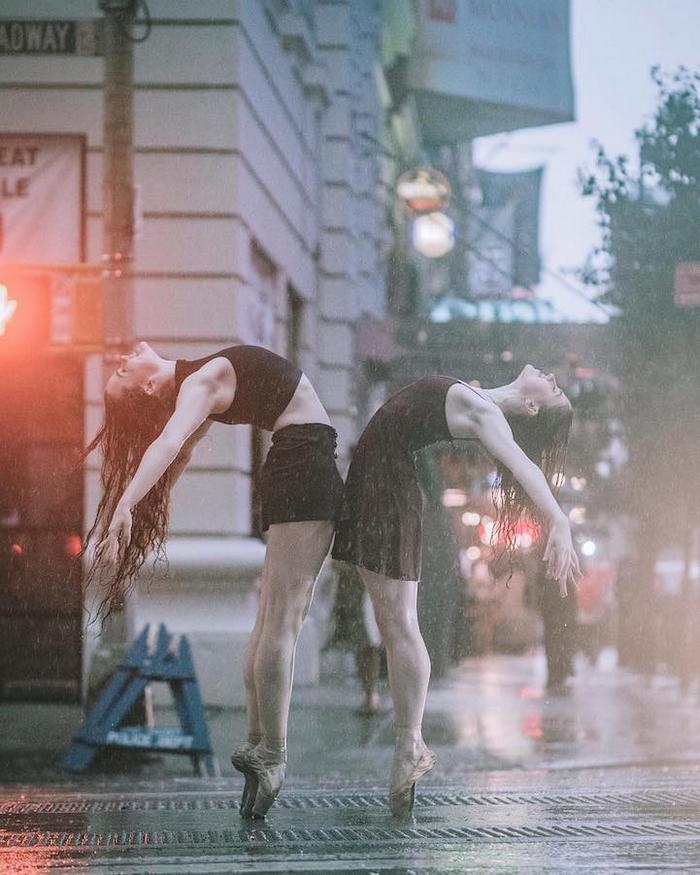 urban-ballet-dancers-new-york-streets-omar-robles-91-57b30f8d2765a__700