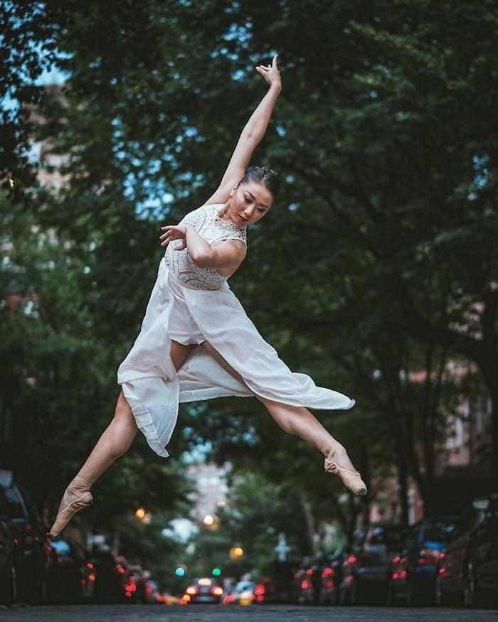 urban-ballet-dancers-new-york-streets-omar-robles-92-57b30f9207ab6__700