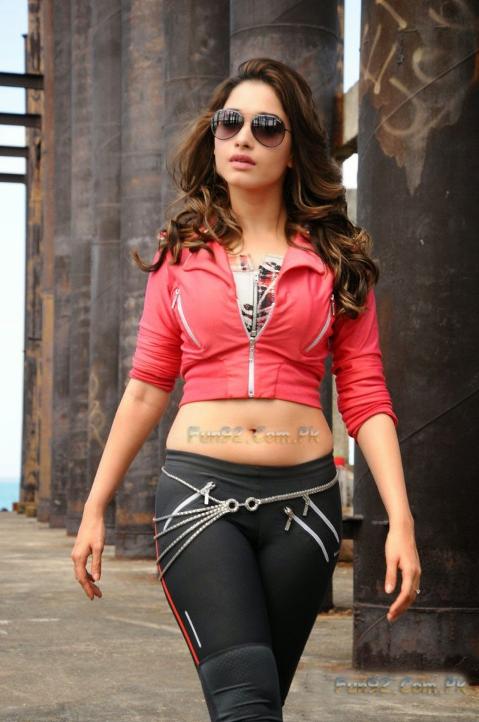 tamanna-bhatia-hot-2015-hd-photos_30-721789