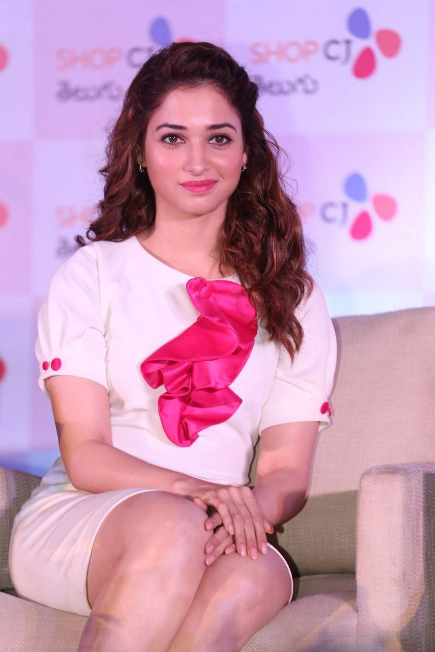 tamanna-bhatia-stills-at-shop-cj-store-launch-1