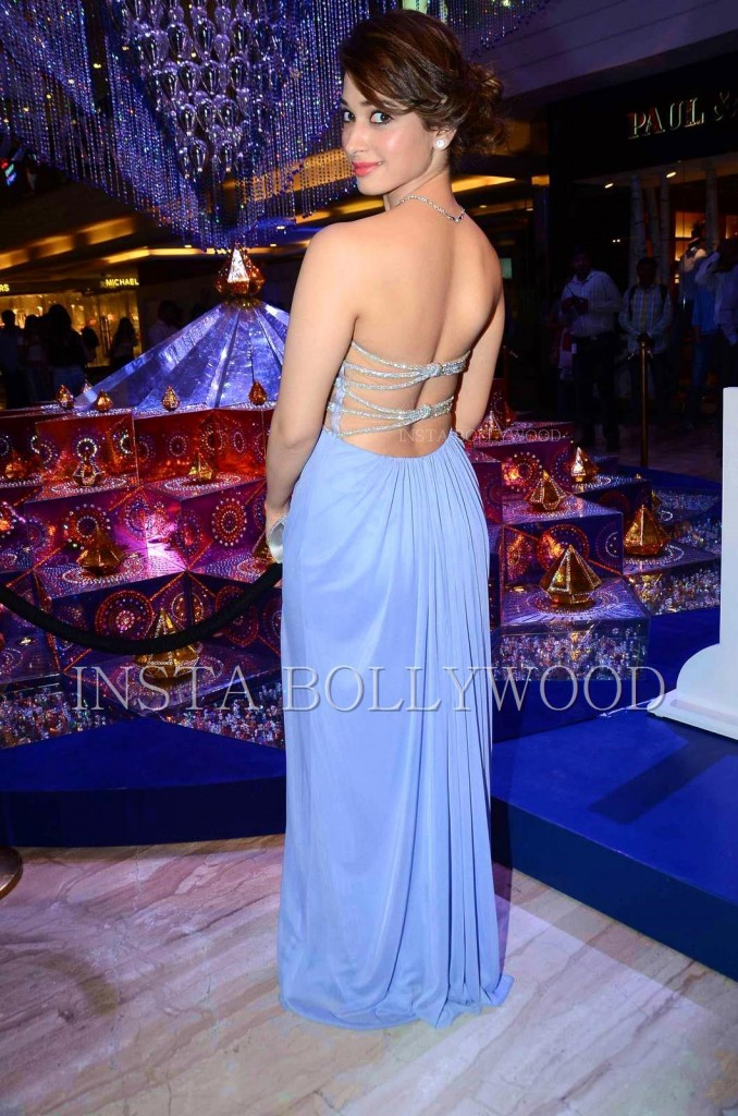 tamanna-bhatia-blue-backless-gown-5