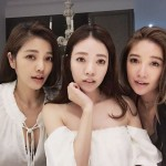63-Year-Old Mom With Her 41, 40 And 36-Year-Old Daughters Stun The World With Their Youthful Looks